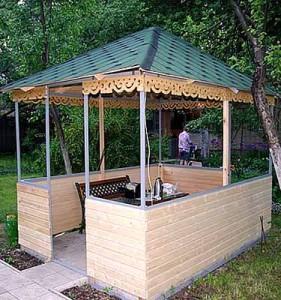 садовая беседка из металлических уголков и дерева