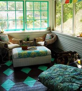 красивый деревянный пол на веранде