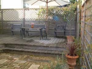 почему мы отказались от идеи деревянной террасы во дворе