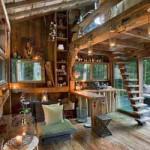 красивый интерьер деревянного дома за городом