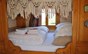 скандинавский стиль в интерьере деревянного дома