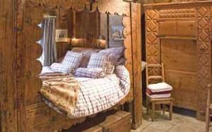 как оформить спальню в загородном доме