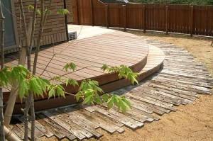 оригинальные садовые дорожки из дерева
