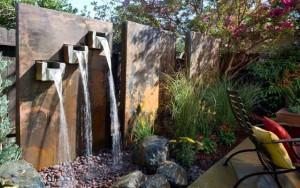 необычный водопад на даче