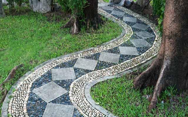 необычные дорожки в дизайне садового участка