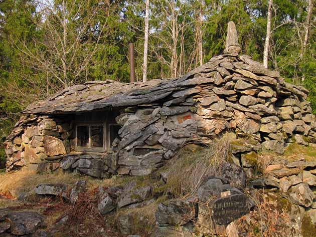 необычные дома из природного камня