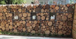деревянный забор из дров