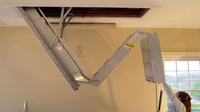 лестница для гаража с мансардой