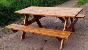 скамейки со столом