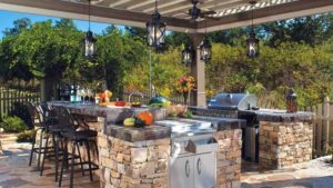летняя кухня красивые проекты для загородного дома