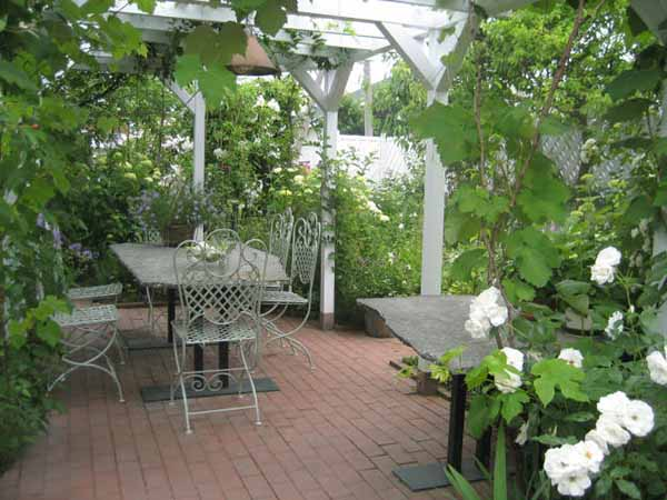оформление сада и огорода своими руками фото