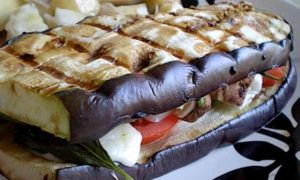 бутерброды из запеченных баклажан