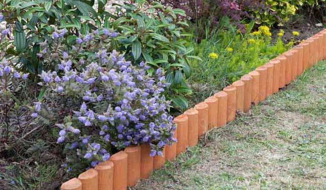 современный садовый бордюр из дерева
