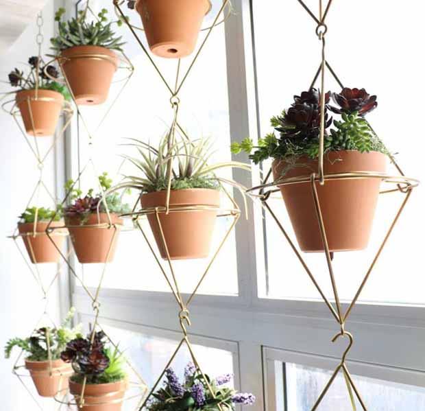 Подвесная подставка для цветов